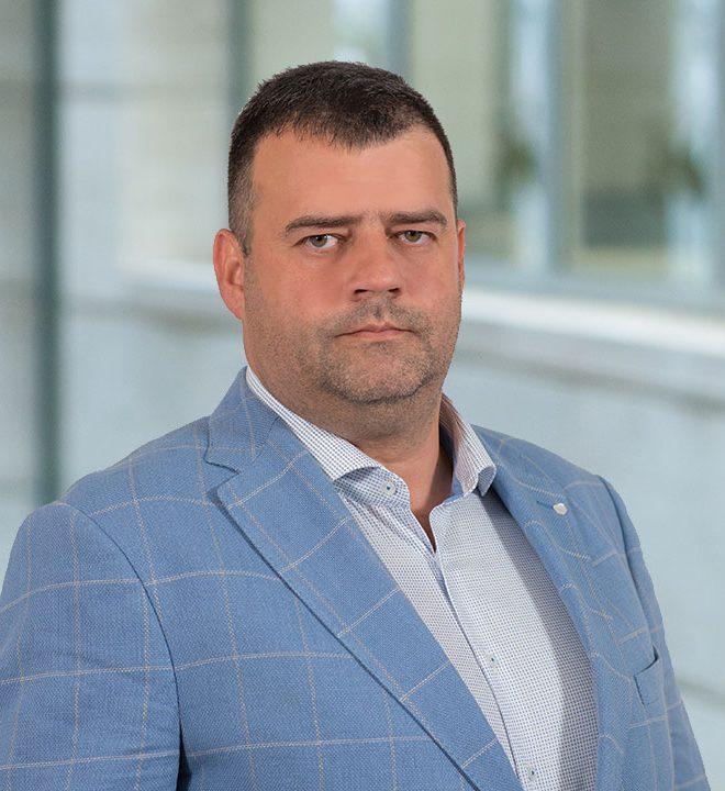 A HSA ügyvezető igazgatója és többségi tulajdonosa, Mátyás László